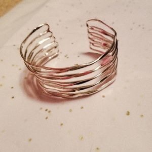 Adjustable silver band bracelet